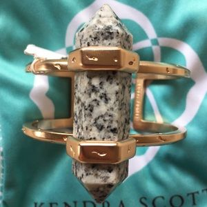 Kendra Scott Jewelry - FLASH SALE! NWT Shelli Cuff Granite and Rose Gold